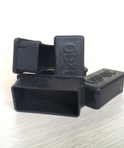 Nắp chụp nhựa bịt đầu sắt hộp 25x50 CDS-374 dùng cho bàn - kệ khung sắt
