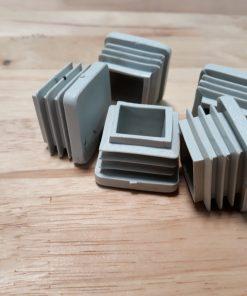 Bịt nhựa đầu sắt hộp vuông 30x30 CDS-15701 màu trắng
