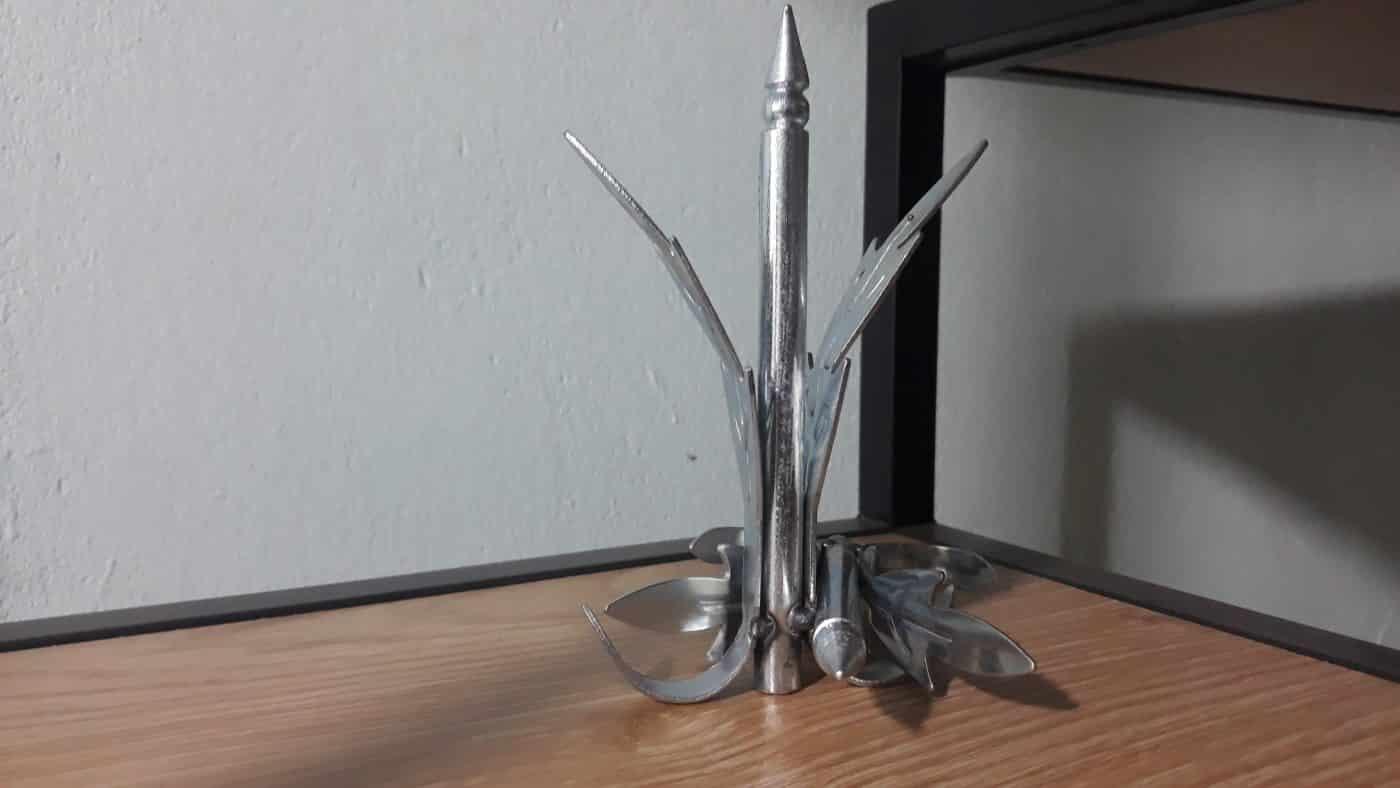 Chông 3 lá sắt kiểu cong dùng cho hàng rào dài 15cm CDS-16653